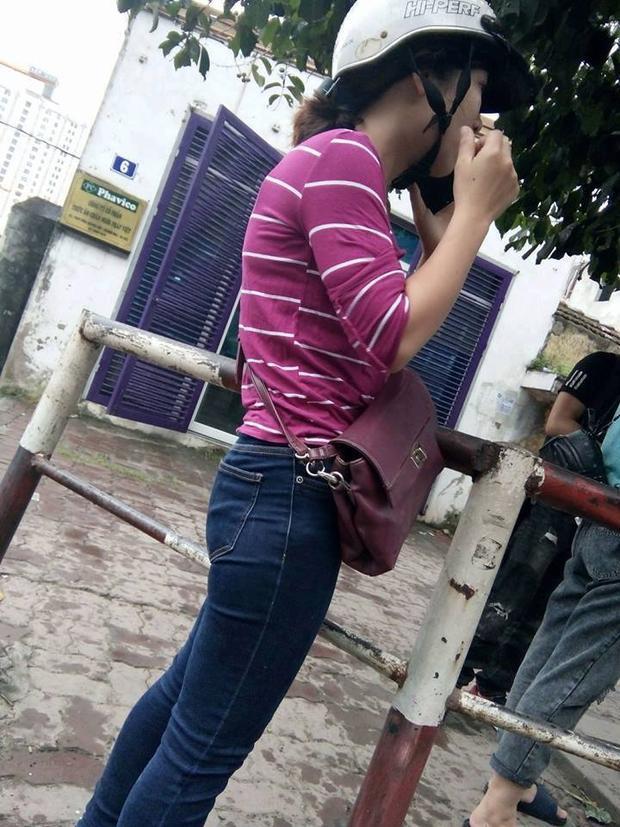 Hình ảnh cô gái tất tả tìm đường về Cửa Lò, Nghệ An làm nhiều người xúc động.