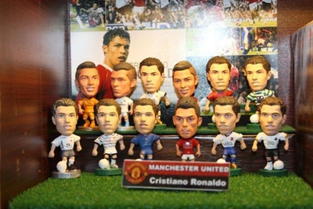 Có lẽ chính CristianoRonaldo cũng thích thú khi nhìn lại các hình ảnh của mình trong những năm thi đấu cho MU và các CLB khác.