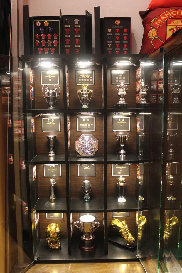 Bộ sưu tập các phiên bản cúp đầy đủ theo các danh hiệu Man Utd có.
