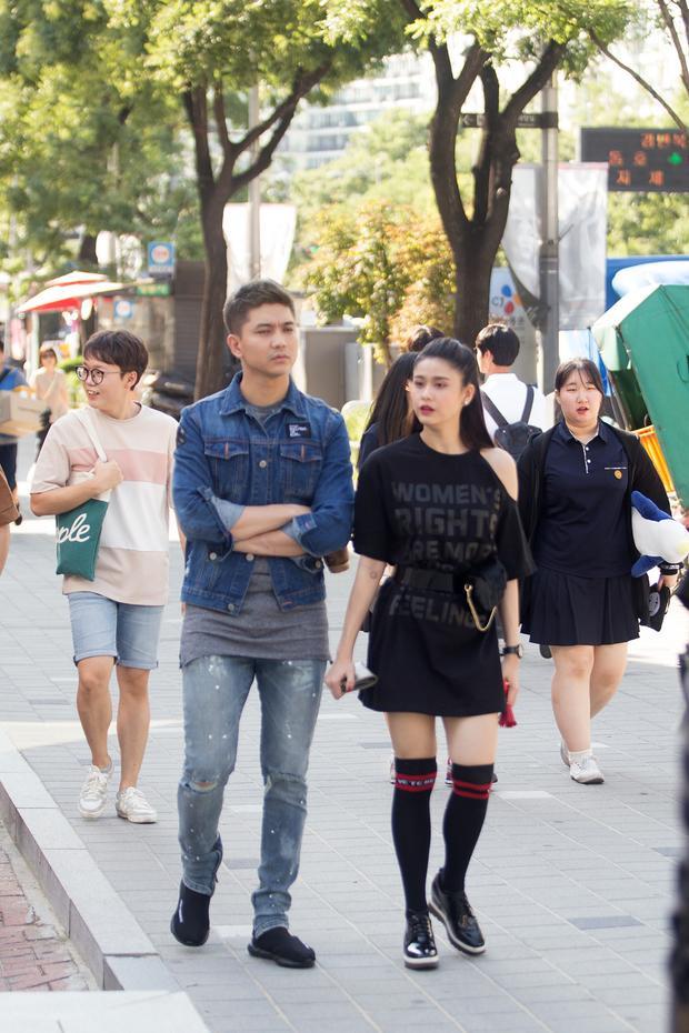 Mặc tin đồn đường ai nấy đi, Tim  Trương Quỳnh Anh ôm hôn tình tứ trên đường phố Hàn Quốc