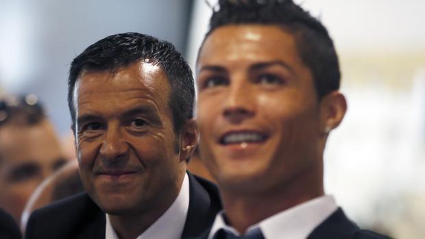 Ronaldo tiết lộ anh và Jorge mới chỉ học đến lớp 5 hay lớp 6 gì đó.