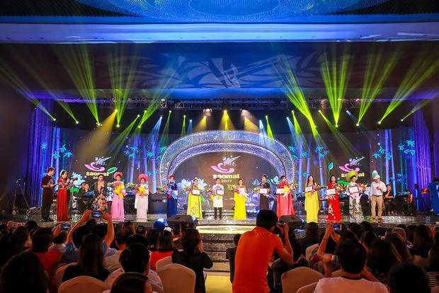 Top 11 thí sinh Đêm chung kết dòng nhạc dân gian Sao Mai 2017.
