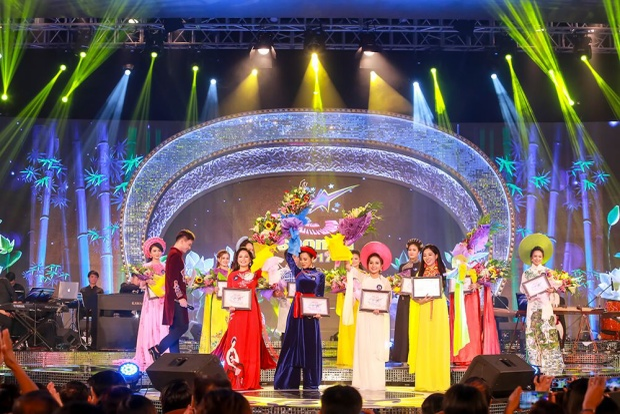 Top4 thí sinh Đêm chung kết dòng nhạc dân gian Sao Mai 2017.