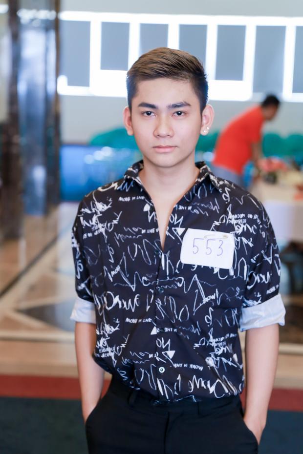 """Thí sinh Vũ Lê Lâm Vĩ hiện đang là một nhà thiết kế thời trang, Anh cũng là """"fan ruột"""" của trò chơi Ngôi Sao Thời Trang 360mobi."""
