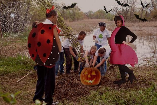 Còn tận hơn 1 tháng nữa mới đến Halloween mà gia đình quyền lực này đã chuẩn bị sẵn sàng phục trang rồi.