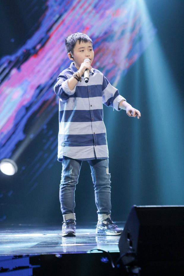 Cậu bé Duy Linh non nớt ngày nào…