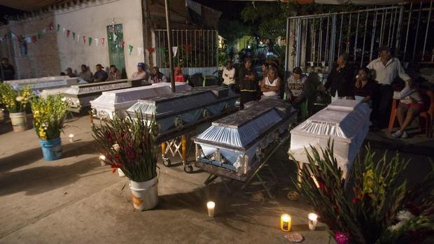 Thảm kịch sau động đất rung chuyển Mexico: Lễ rửa tội biến thành đại tang