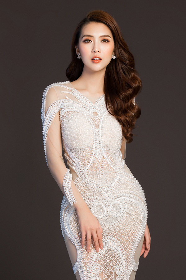 Tường Linh háo hức ngày đến Sri Lanka tham gia Hoa hậu Liên lục địa 2017.
