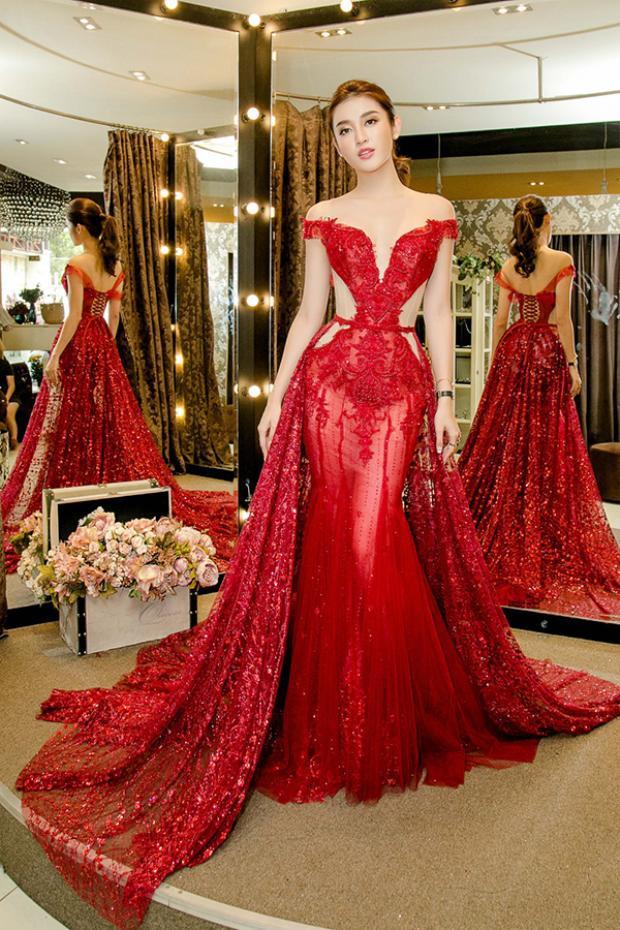 Hé lộ trang phục dạ hội và áo dài của Á hậu Huyền My dự kiến mặc tại Miss Grand Internation 2017