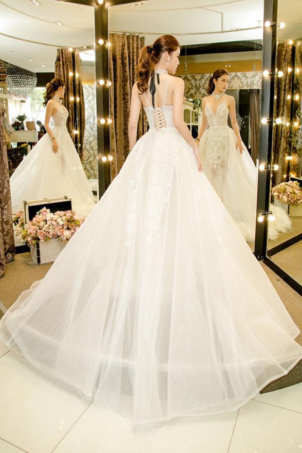 Liệu đây có phải là trang phục Á hậu sẽ lựa chọn tham gia Miss Grand Internation 2017?