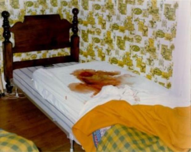 Chiếc giường Mark bị sát hại trên đó.