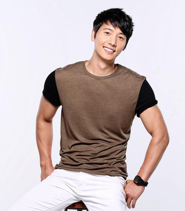 Nam diễn viên Lee Sang Woo.