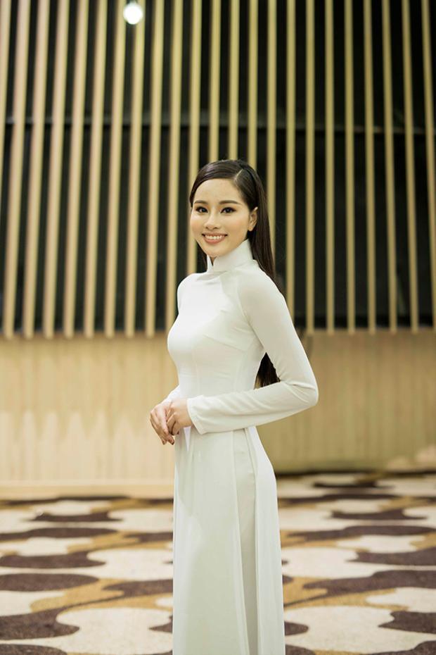 Lan Khuê: Đủ tri thức, nhân cách mới có thể là Hoa hậu