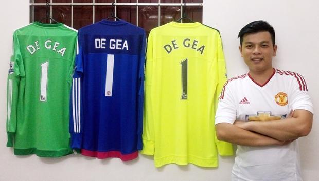 Còn đây là bộ 3 áo thi đấu của De Gea trong mùa giải 2015 - 2016, mùa giải MU đã vô địch FA cup cùng với HLV tiền nhiệm Louis Van Gaal.