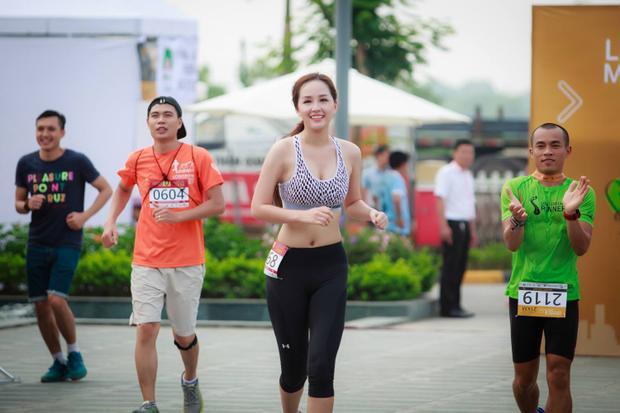 Hàng nghìn người tham gia chạy Việt dã ở TP.HCM