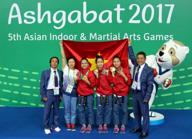 Hot girl Taekwondo Châu Tuyết Vân giành HCV quyền nữ