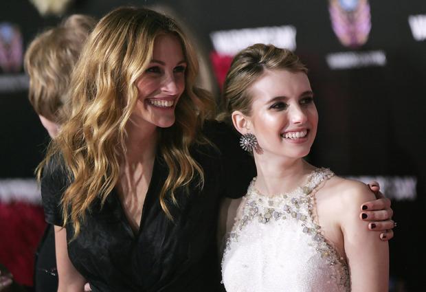 Julia Roberts và Emma Roberts