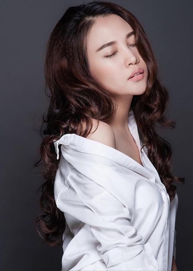 Bạn gái mới Cường Đô La sở hữu vẻ đẹp quyến rũ.