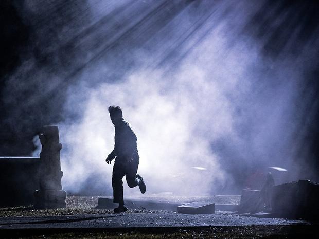 Xác chết đêm trăng: Khi hồn ma ngập tràn cả thị trấn