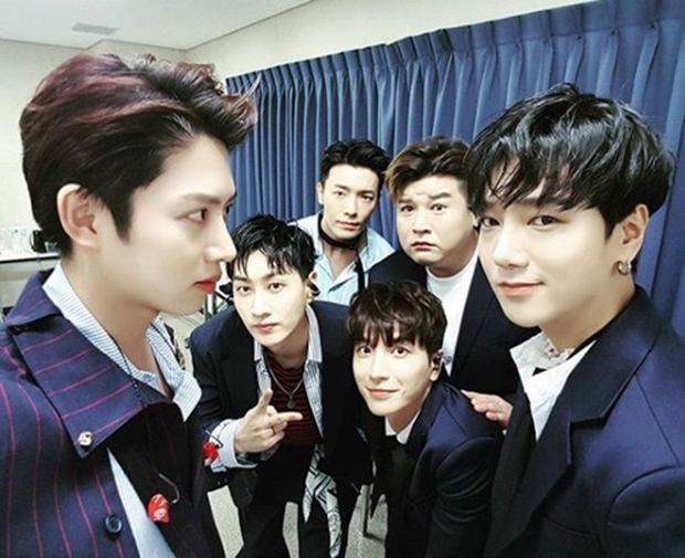 6 thành viên Super Junior tại concert SM Town vào tháng 7 vừa qua
