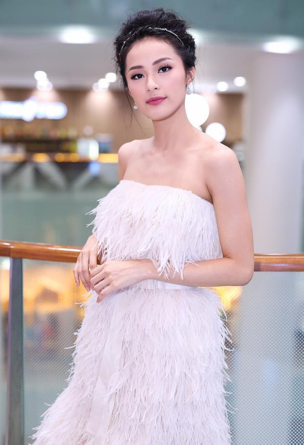 Hạ Vi tại một sự kiện ở TP.HCM. Cô từng là tiêu điểm chú ý mỗi khi xuất hiện, tuy nhiên, ở thời điểm hiện tại, Đàm Thu Trang mới là nhân vật được khán giả quan tâm.