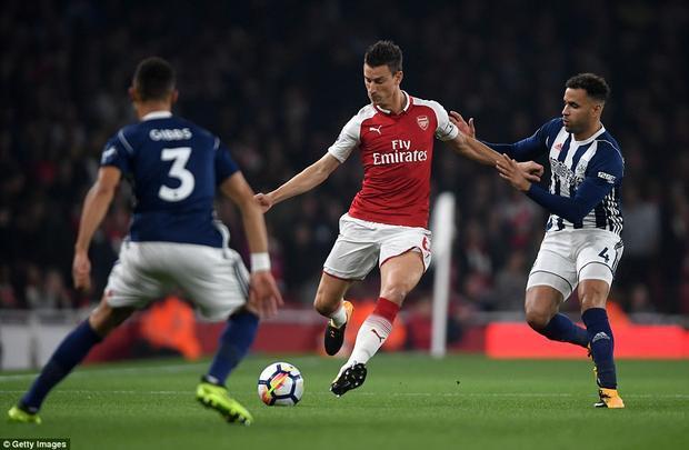 Ở vòng 6, Arsenal là đội đá muộn nhất trong số các đại gia. Chính vì vậy, họ chịu áp lực buộc phải thắng nếu không muốn bị bỏ lại ở phía sau khi mà các ông lớn khác đều có trọn 3 điểm.