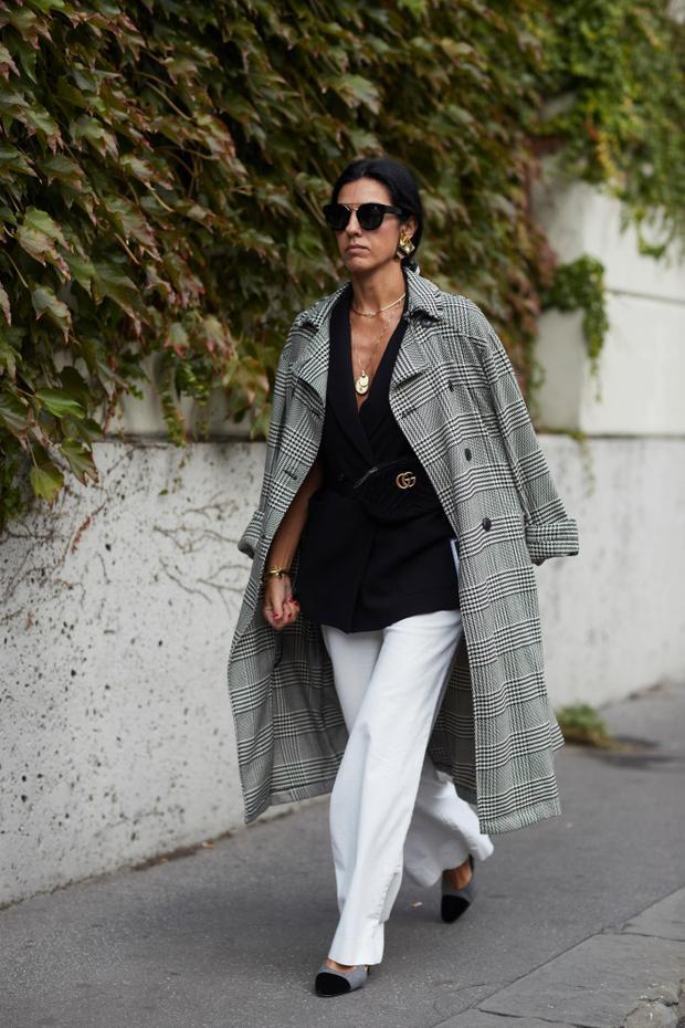 Menswear là cách phối được tín đồ Milan yêu thích, thay thế kiểu váy áo bóng bẩy, điệu đà ở mùa cũ.