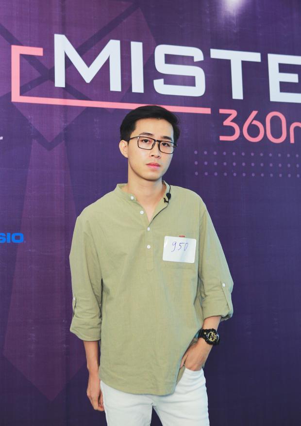 Vì Hà Nội vẫn còn trong mùa nắng nóng, nhiều thí sinh đã ưu tiên chọn style trang phục đơn giản và năng động