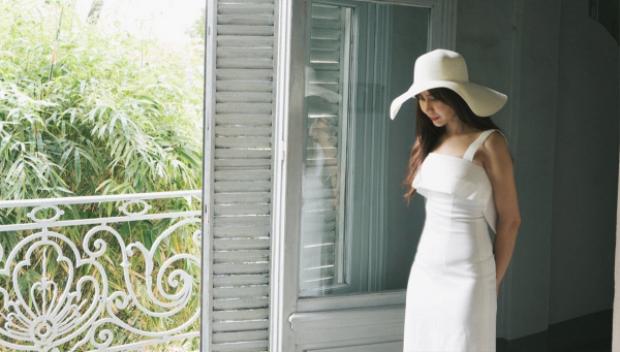 Lưu Hương Giang trở lại với bản ballad nhẹ nhàng kết hợp cùng nhạc sĩ trẻ Kai Đinh mang tên Mưa rơi mưa rơi qua MV Lyric được đầu tư mạnh.