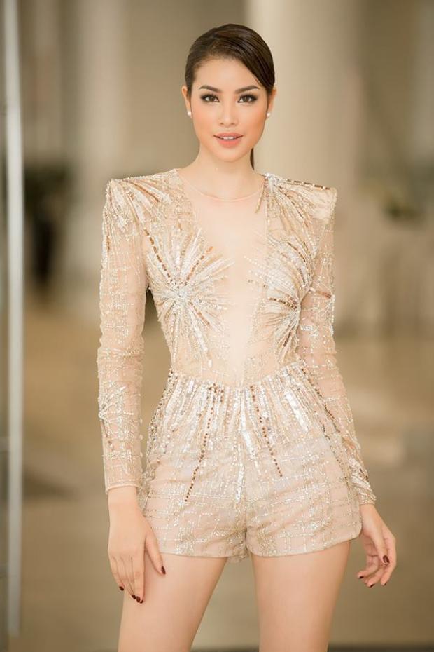Người đẹp thì rất nhiều nhưng để vừa đẹp, vừa sở hữu thần thái thu hút như Phạm Hương thì không phải ai cũng có được.