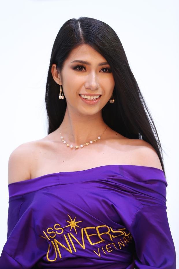 Nổi bật với chiều cao hơn 1,80 m, Lê Thị Kiều Nhung là nhân tố mới đầy triển vọng của mùa giải năm nay.