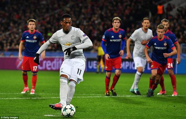 Martial cũng có một trận đấu hay (1 bàn thắng, 1 kiến tạo) trong ngày được đá chính.