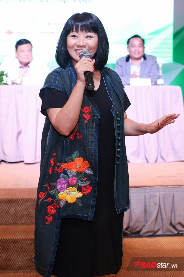 Cẩm Vân - Nữ ca sĩ đã gắn bó với Làn sóng xanh từ những năm đầu tiên.