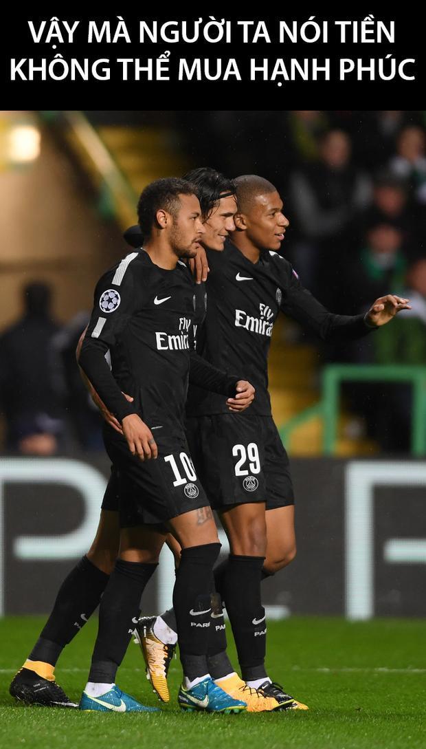 Sự có mặt của 2 bom tấn Mbappe và Neymar giúp hàng công PSG nâng lên một tầm cao mới. Thậm chí Bayern Munich - một 'ông kẹ' của làng bóng đá châu Âu cũng không thể cưỡng lại được sức mạnh của 'tam tấu' Neymar - Mbappe - Cavani.