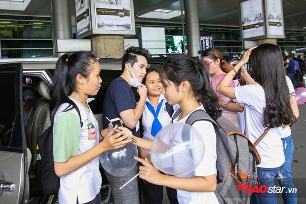 Ông Cao Thắng cũng nhận được sự quan tâm, yêu mến của các bạn fan.