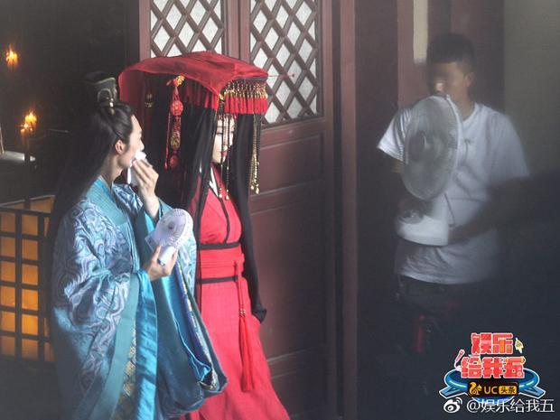 Trang phục tân nương của Phạm Băng Băng. Chắc hẳn cô muốn nhân vật của mình thật cao sang quý phái.
