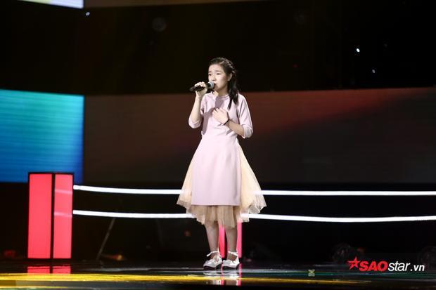 Cách hát của Mộng Thơm khiến HLV Hương Tràm nhớ đến đàn chị Cẩm Ly.