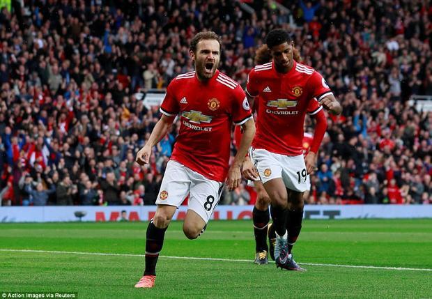 Màn trình diễn của Mata nhận được lời ngợi khen của Mourinho.