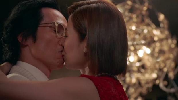 """Nụ hôn khiến khán giả không khỏi """"điêu đứng"""""""