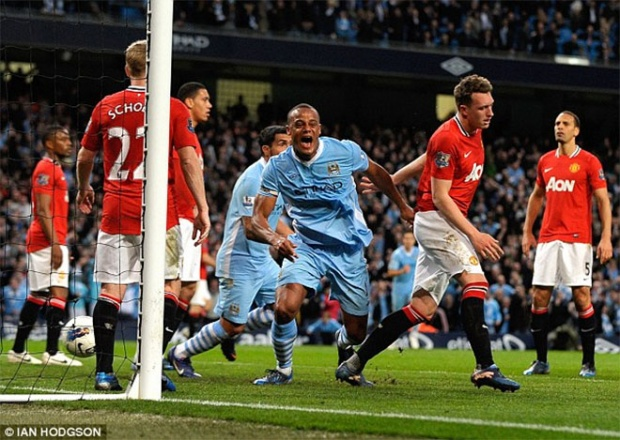 Trận derby Manchester oan nghiệt.