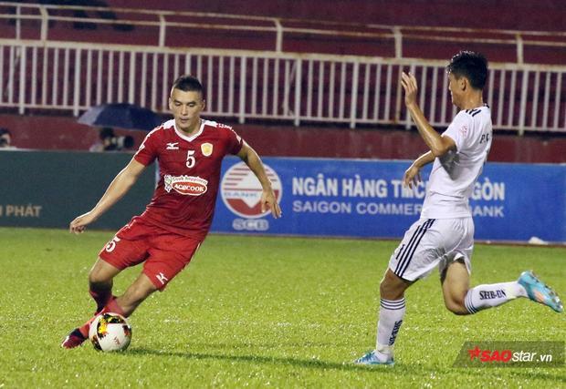 Lê Huỳnh Đức chỉ trích trọng tài thiên vị đội bóng của Công Vinh