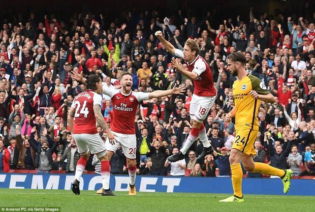 Đây là bàn thắng đầu tiên của Nacho tại Premier League sau 1.660 ngày. Lần gần nhất trước đó anh ghi bàn là trận gặp Swansea ngày 16/3/2013.