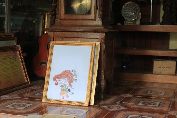 Bức tranh do con trai ông Trọng vẽ.