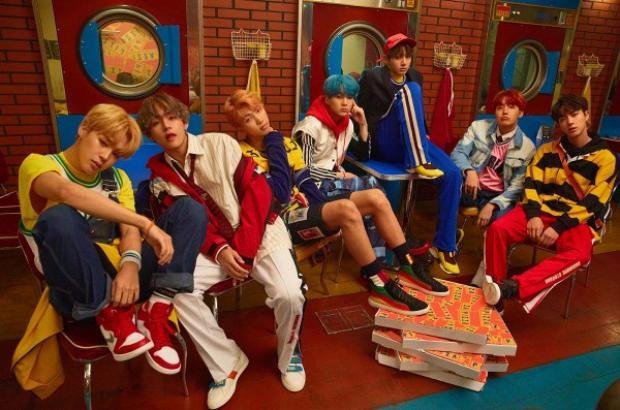 """BTS đang """"thừa thắng xông lên"""" xô đổ hàng loạt kỷ lục Kpop."""
