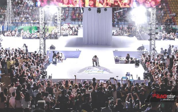 Sân khấu không thua kém các concert nước ngoài.