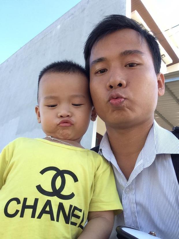 Nhí nhảnh bên con trai của mình