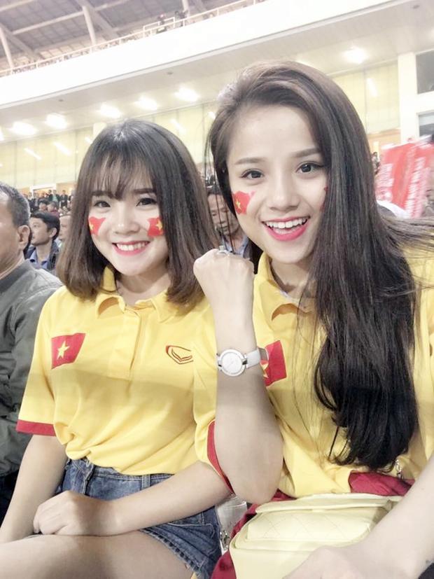 Sau trận đấu trên sân Mỹ Đình, Võ Thị Hương đang làm bạn gái của thủ môn Đặng Văn Lâm - tuyển thủ quốc gia.