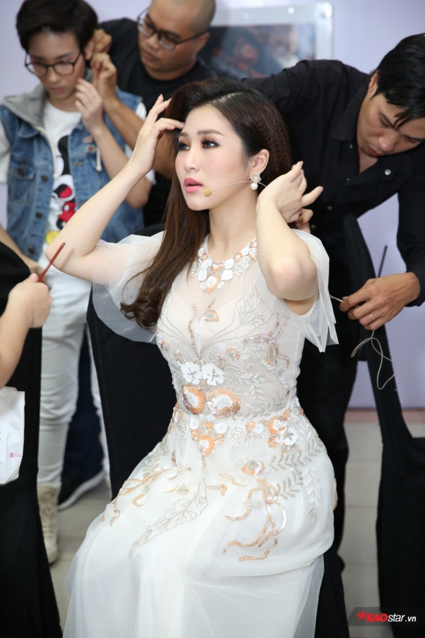 """Kể từ sau hiện tượng """"Em gái mưa"""", Hương Tràm luôn nhận được sự quan tâm đặc biệt từ khán giả truyền hình."""