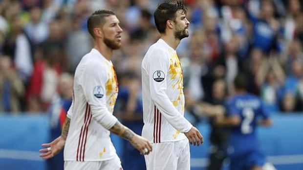 Vì đại cục, Pique và Ramos trở lại làm anh em