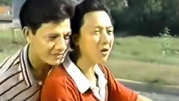 """Hai cầu thủ Huỳnh Đức và Quốc Cường đóng vai chính trên phim bom tấn """"sút sút dzô""""."""